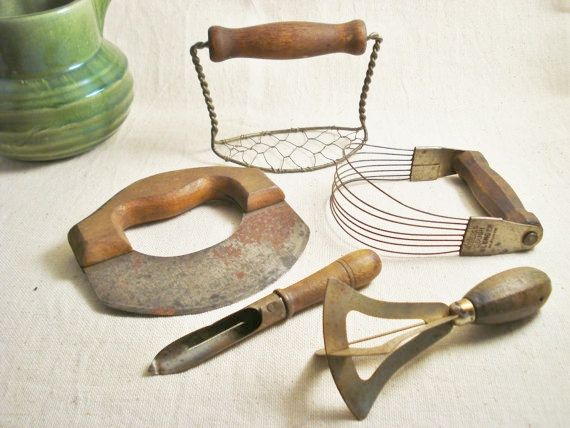 Collection Of Vintage Kitchen Tools / Vintage Kitchen Utensils / Antique  Kitchen Utensils TREASURY ITEM.