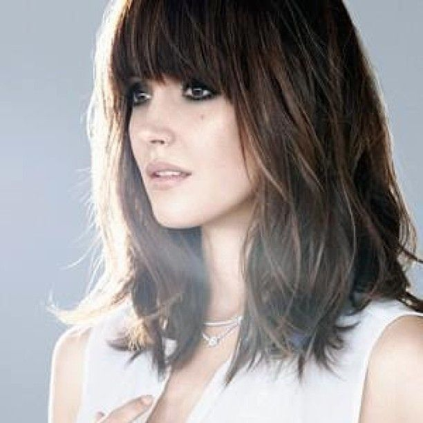 We Are Loving Rose Byrne S Hair Perfect Style If Your Looking For A Change In 2013 Dario Salon X Hair Styles Thick Hair Styles Medium Hair Styles