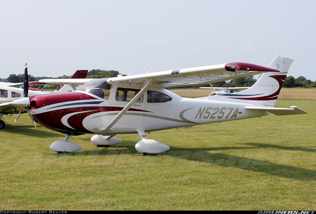 Cessna 182T Skylane aircraft picture General Aviation