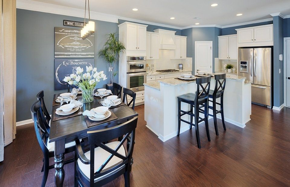 Best Traditional Kitchen With Quartz Countertop Sample In Snowy 400 x 300