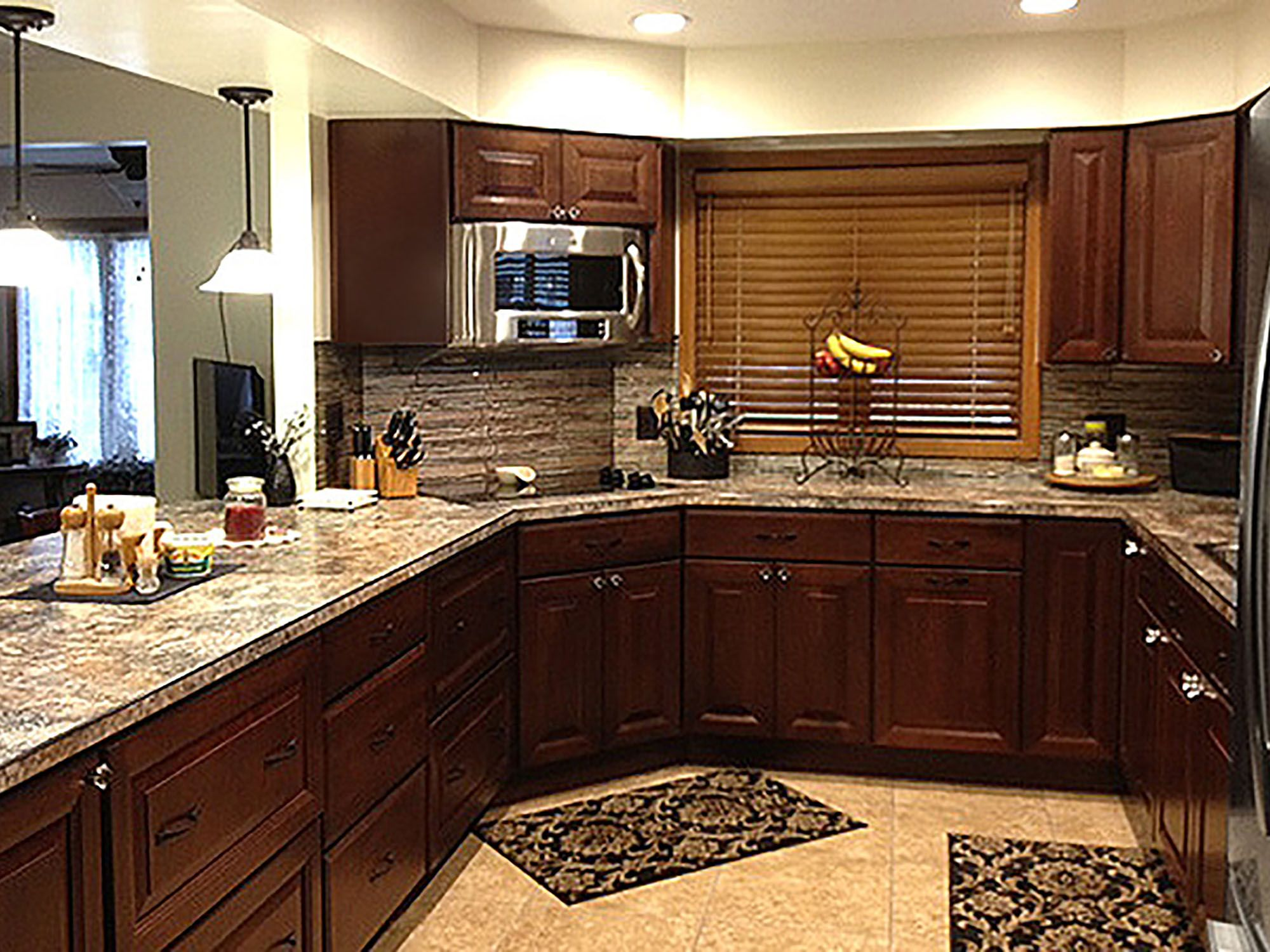 kitchen pictures design ideas cliqstudios cabinets kitchen cabinet door styles kitchen on g kitchen layout design id=95989