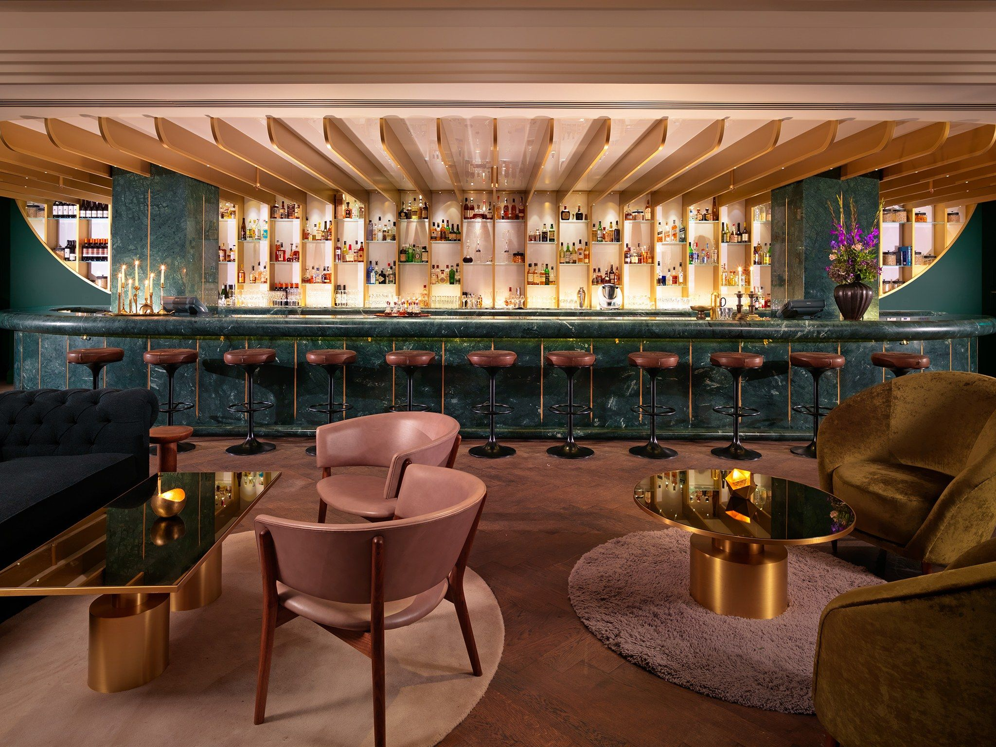 These Are The Best Bars In London From Can T Miss Hotel Lobbies To Hidden Bars Within A Bar They Re The Classics Cocktail Bar Interior London Bars Hotel Bar
