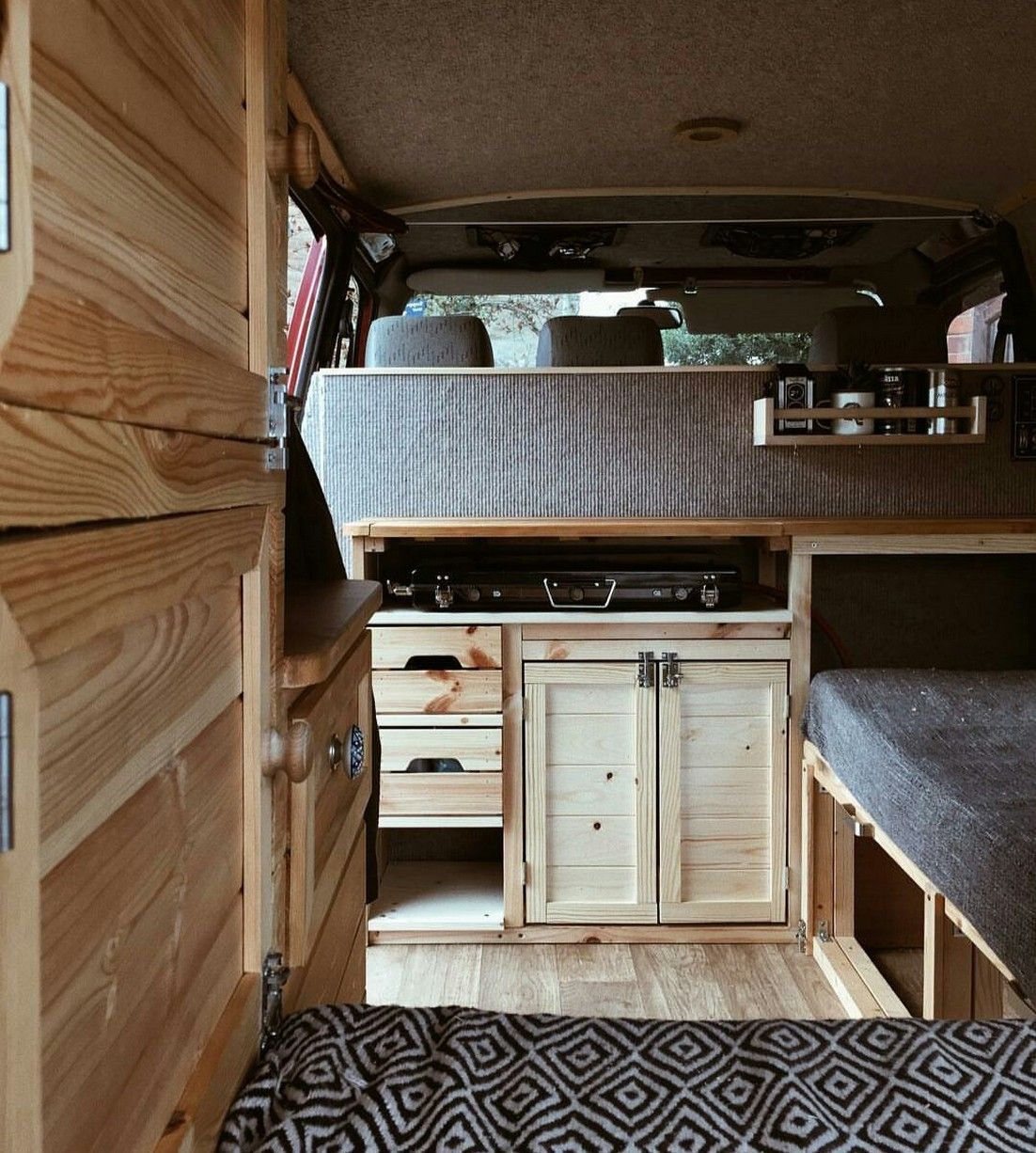 90 Awesome Painting Camper Rv Cabinets Ideas Manlikemarvinsparks Com Motorhome Interior Van Interior Campervan Interior