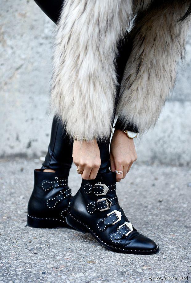 couleur rapide Quantité limitée design professionnel Je veux des bottines à boucles à la Givenchy | shoes en 2019 ...