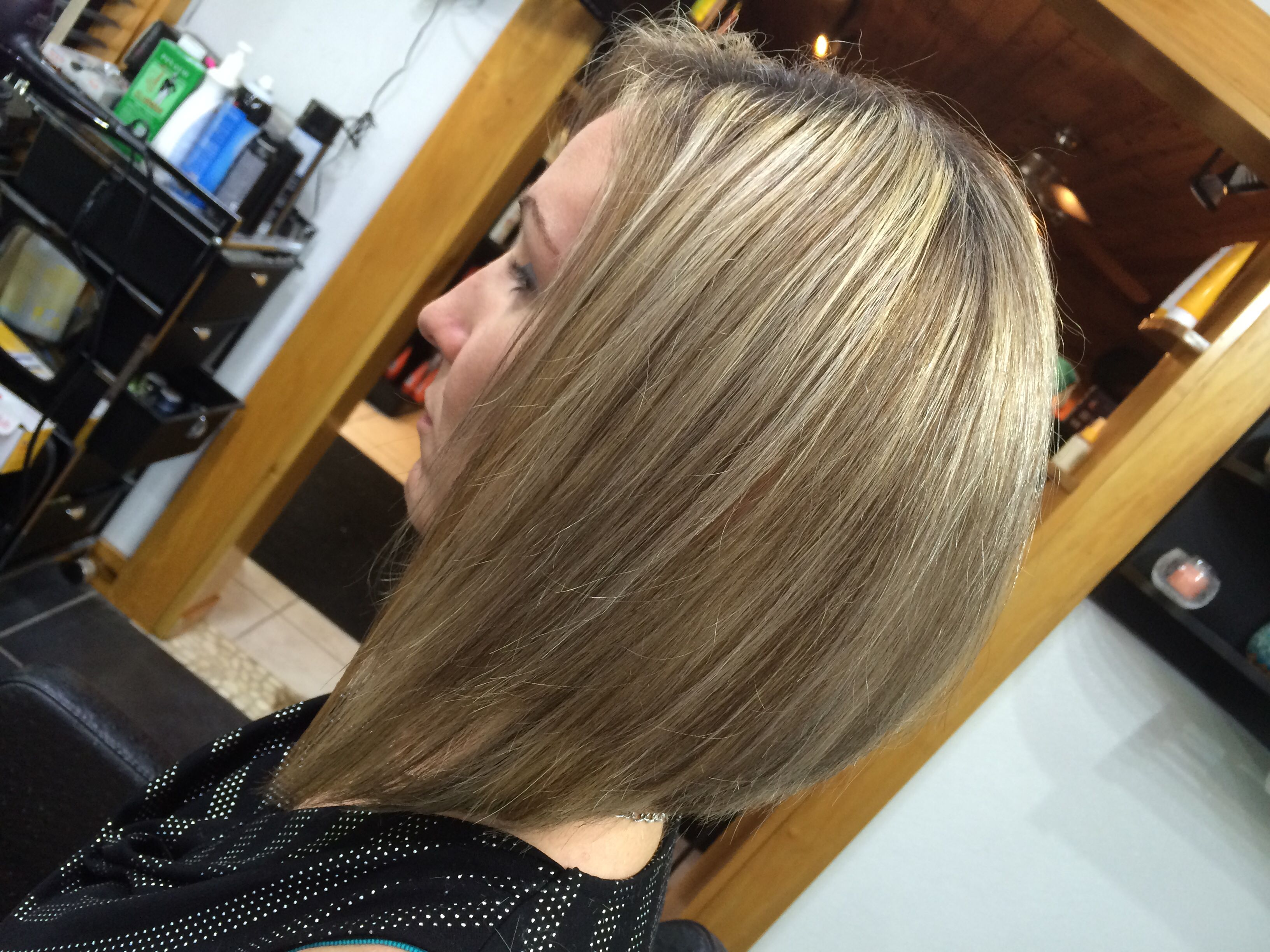 s haircut back of elevated bob with highlight and lowlight hair 1359