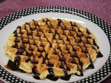 Receita de waffle - pode fazer na panela, como se fossem panquecas!