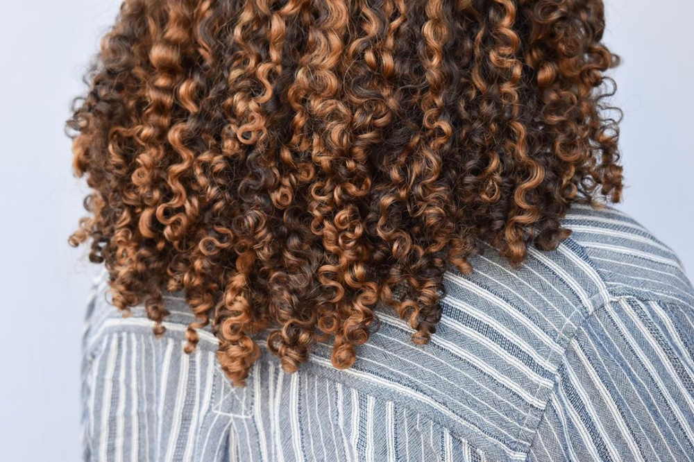 Copper Blonde Highlights On Naturally Curly Hair Curly Hair Styles Naturally Highlights Curly Hair Curly Hair Styles