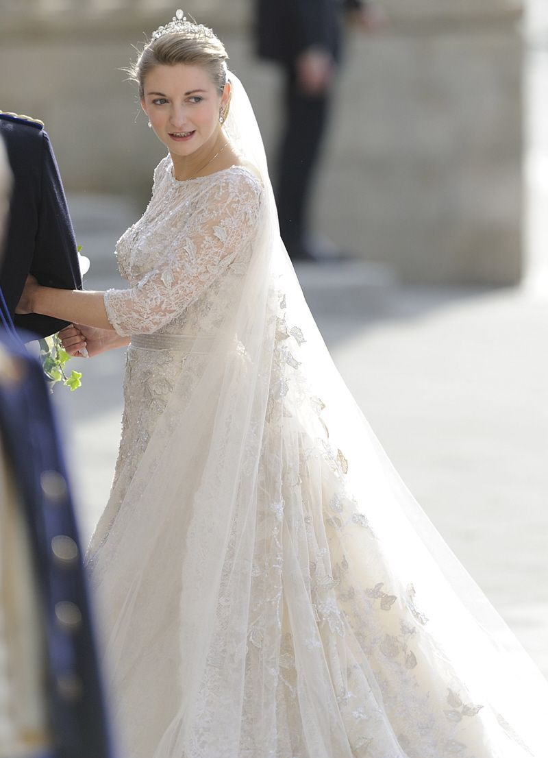 Prince Guillaume Of Luxembourg Marries Elie Saab Clad Countess Stephanie Royal Brides Wedding Elie Saab [ 1106 x 800 Pixel ]