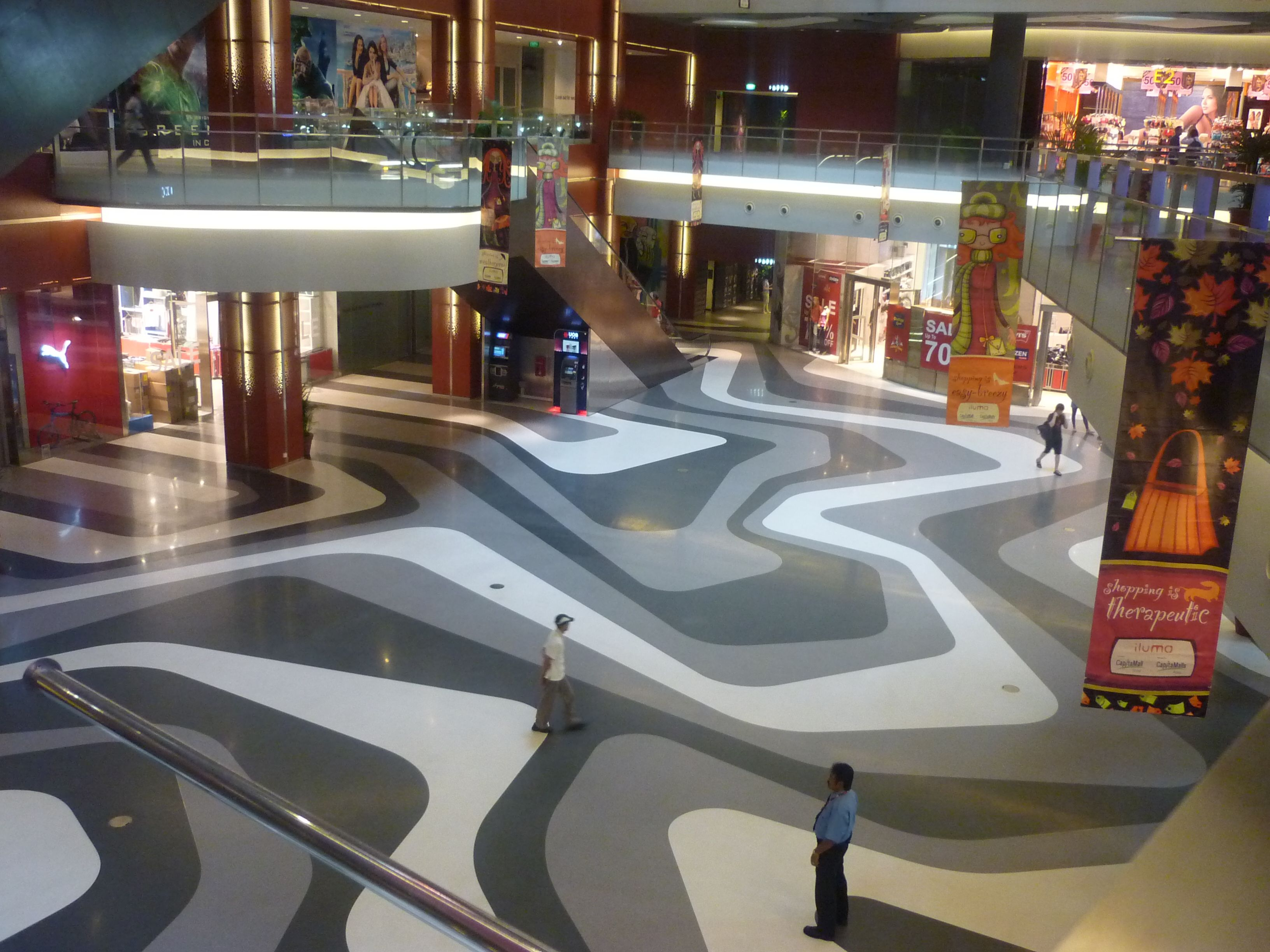 Iluma Mall Singapore Retail Design Interior Architecture Floor Pattern Mytrip 2011 Myownpic Retail Design Flooring Inspiration Rubber Flooring