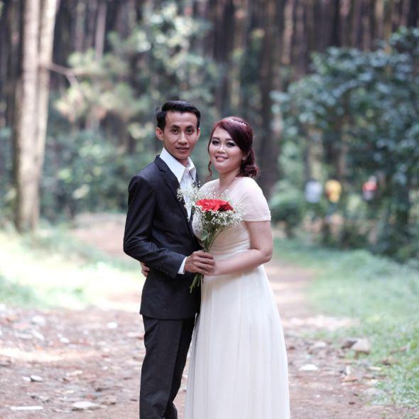 Prewedding Jakarta Prewedding Gunung Pancar Engagement Photo
