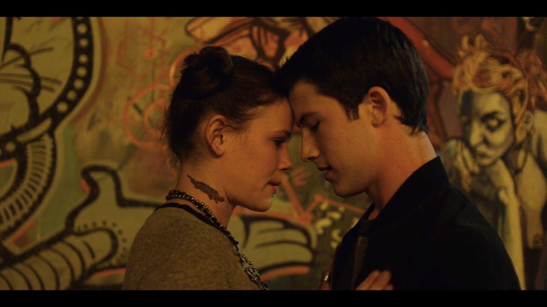 Sosie Bacon As Skye Miller Dylan Minnette As Clay Jensen In