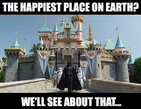 dun-dun-dun-di-di-dun - Darth Vader at Disneyland