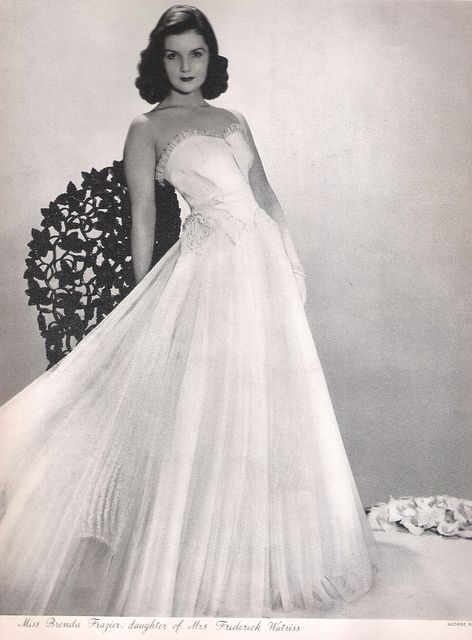 Miss Brenda Frazier, 1938 IDOLOTRY. she was put on the cover of LIFE magazine purely to cover her debutante ball. girl you go.