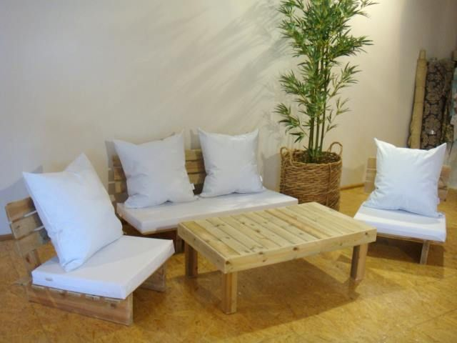 Muebles de living hechos con palets.