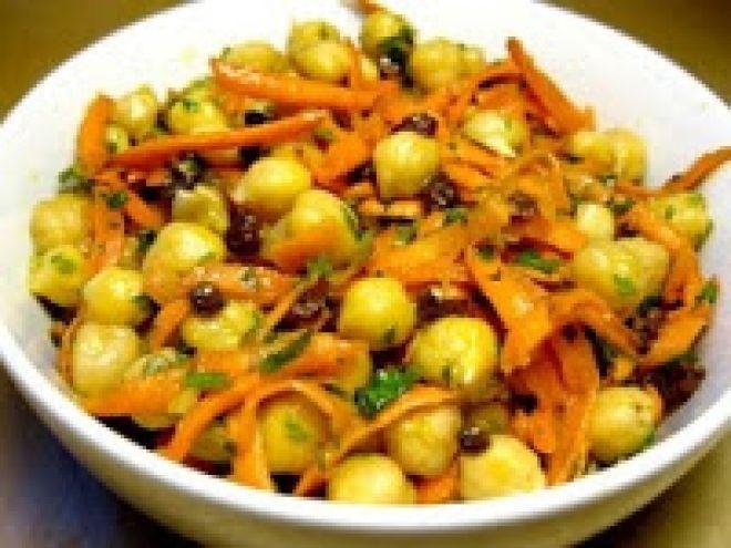 Receita Prato Principal : Salada de grão-de-bico (vegana) de Cantinho Vegetariano - Adorei !!!!!