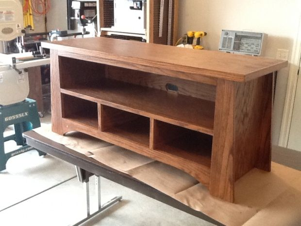 Oak tv stand from the family handyman image for Diy pallet tv stand instructions
