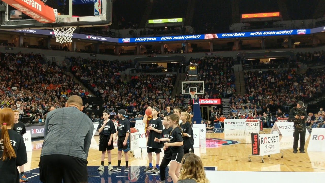 Presley Hudson Drains 14 Straight in 3 point contest