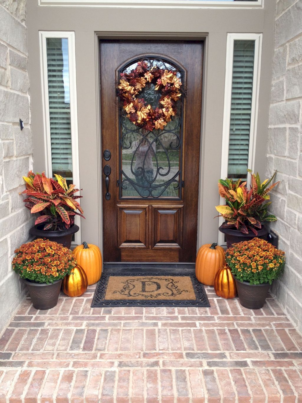Beautiful Front Door Decoration For Fall