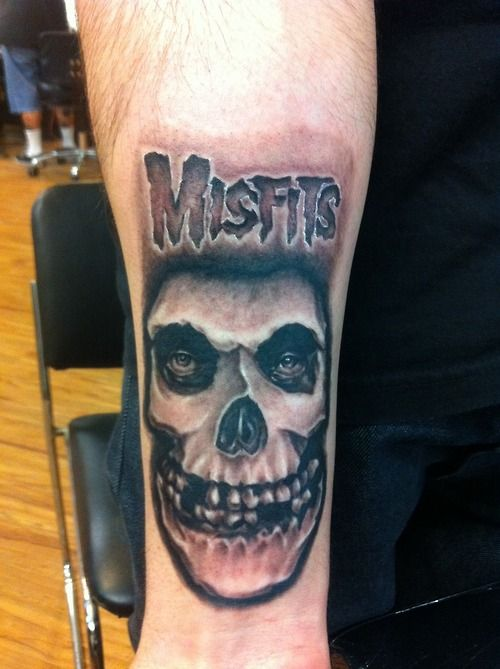 Did another misfits tattoo. This one is for all the fiends ... Misfits Skull Tattoo