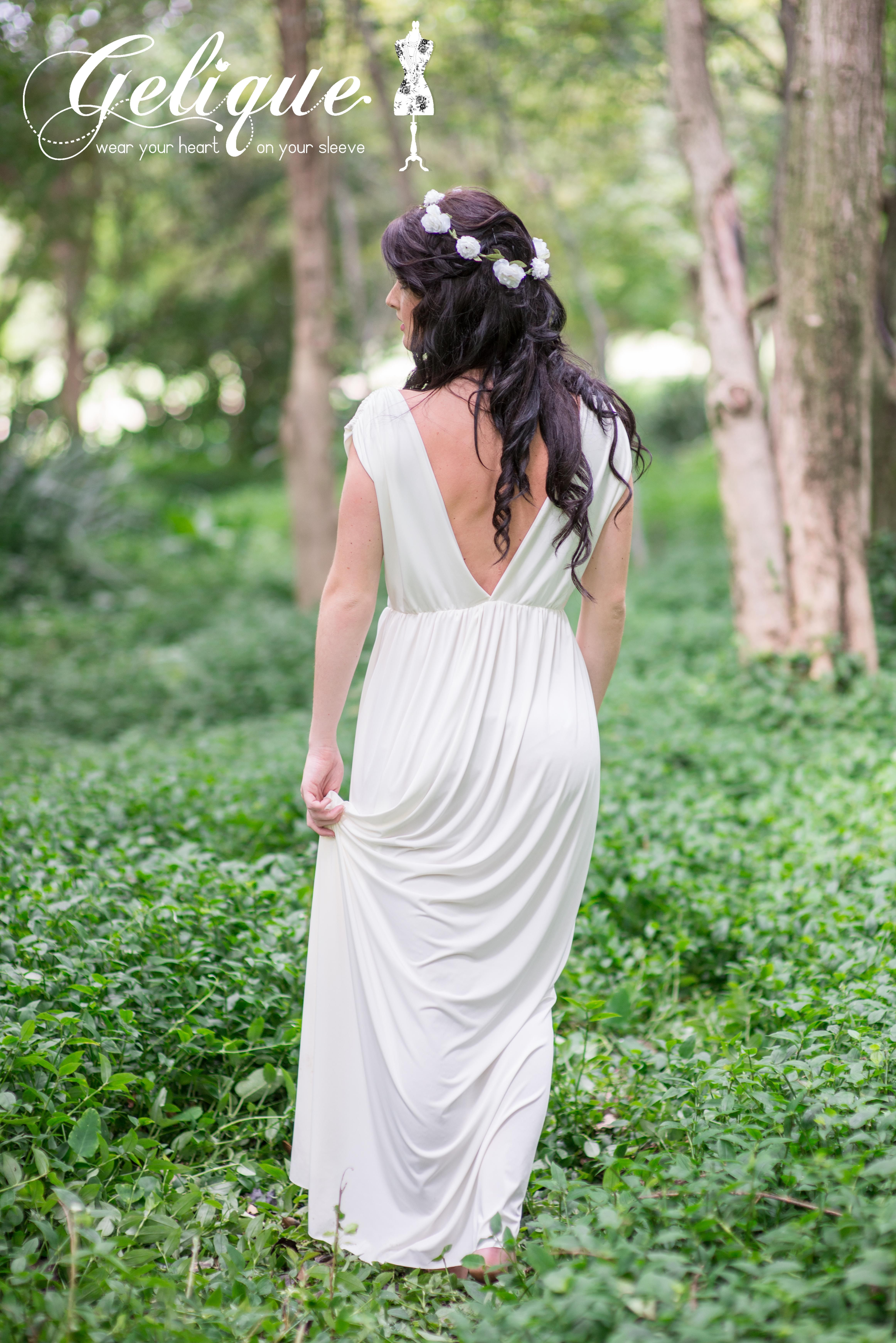 Rose Gelique bridesmaids dress. Soft pink or ivory dress. Empire style convertible bridesmaids dress with plunging back. Available in a variety of sizes and colours from Brides of Somerset. Long, knee-length or short available.