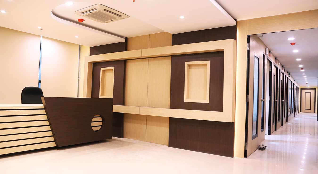 Pin By أنس إسماعيل On Office Workstations Office Interior Design Modern Interior Furniture Office Interiors