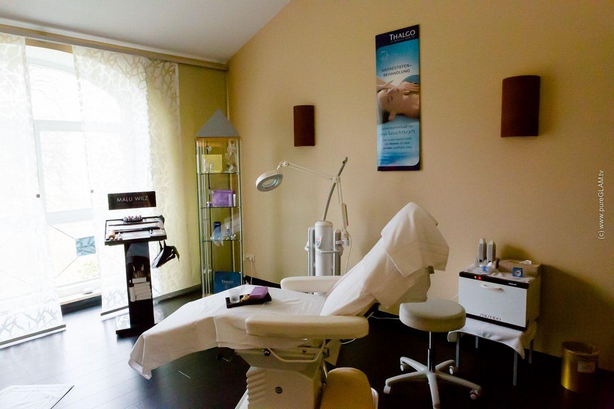 Abhyanga Warme Sesamolmassage Im Schloss Fleesensee In 2020 Ayurveda Massage Massage Klassische Massage