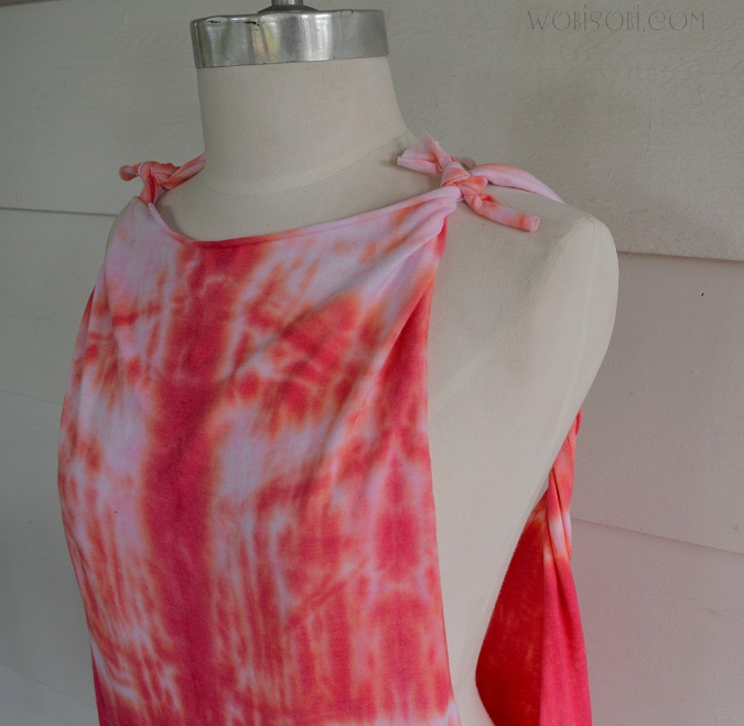 No Sew, Tie Dyed, Twisted Back Tee: DIY