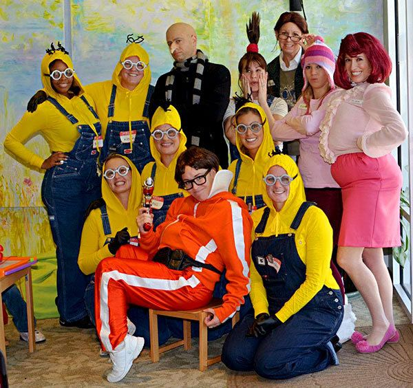 21 DIY Minion Costumes from Despicable Me for Halloween - Snappy Pixels  sc 1 st  Pinterest & 25 Group Costume Ideas for the Most Fun Halloween Ever | HALLODEAS ...