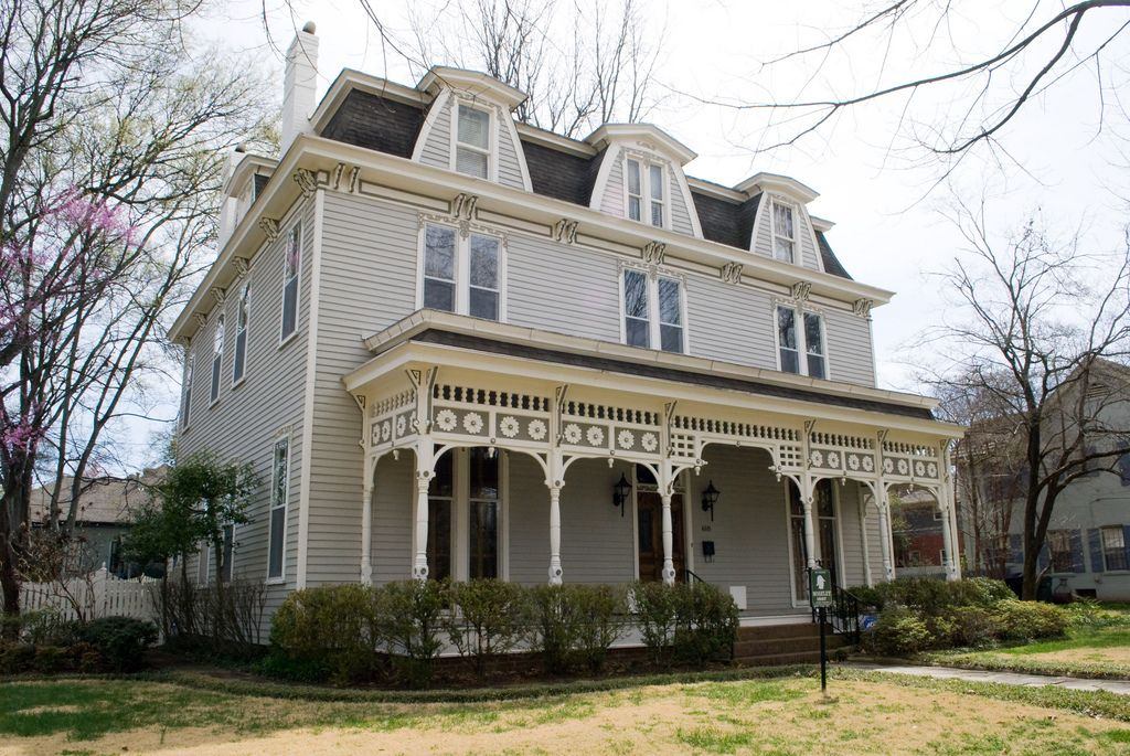 618 line street dutch colonial frank lloyd wright and for Home builders decatur al