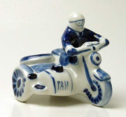 Amazon|グジェリ焼 ほのぼの警官とサイドカー 置物 ロシア製|置物・オブジェ オンライン通販(画像あり