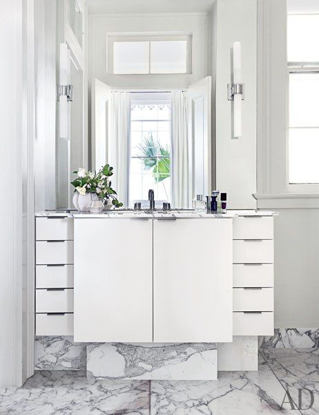 A Historic Greek Revival Residence In New Orleans Is Refreshed To Embody Sleek And Sophisticated E