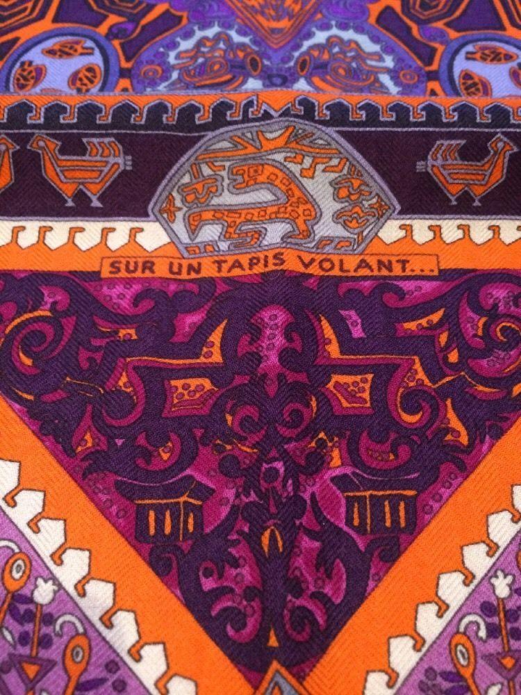 Hermes Cashmere Scarf Carré Cachemire Tuch Sur Un Tapis Volant NIB Neuf +  Boite   Vêtements d1cb13e930f