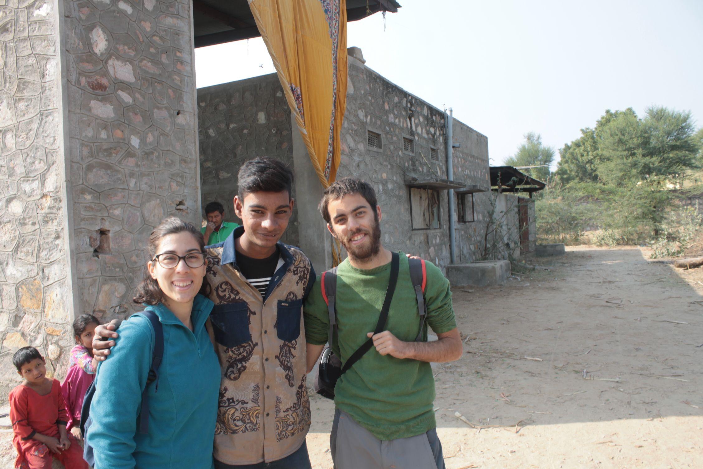 Pawan, nuestro amfitrion posando con nosotros