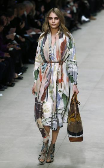 Die Trends Der Modewochen: Burberry   Elemente Der Malerie. Mehr Dazu Hier:  Http