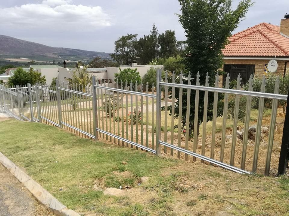 Pin By Palisade World On Palisade Fencing From Palisade World Palisade Fence Outdoor Gardens Stainless Steel Bolts