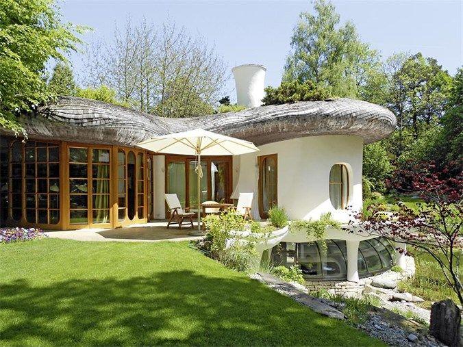 Villas / Townhouses for Sale at Artistic Villa Grünwald