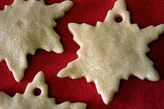 Glitter Salt Dough Snowflakes. Use them as ornaments, Gift Tags or Party Favors.  $5.00 Via Etsy  www.mammarachel.etsy.com