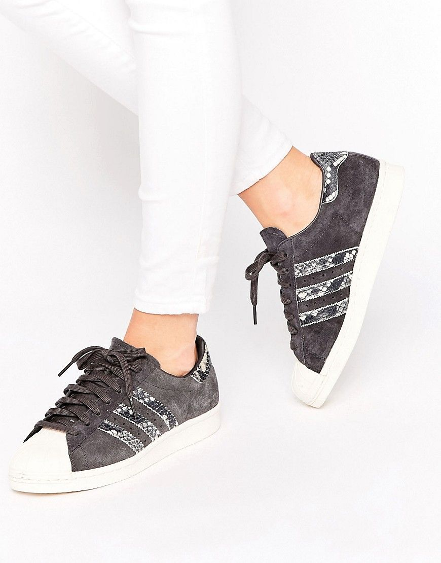 finest selection 12fbe 3548d Zapatillas de deporte negras con detalle de efecto piel de serpiente  Superstar de adidas Originals. Zapatillas de deporte de Adidas, Exterior de  cuero, ...