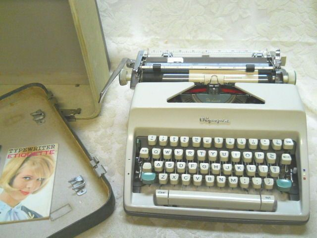 SALE-Vintage 1965 Olympia De Luxe Manual Typewriter w/Carrying Case-New Ribbon