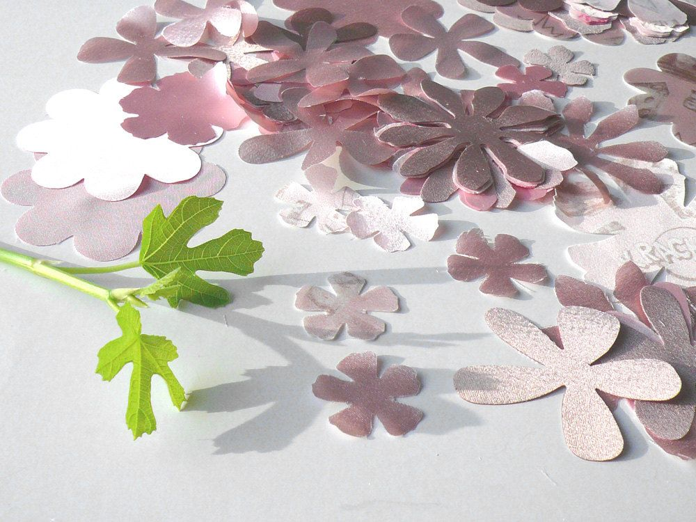 60 rose fabric flower die cuts, chiffon, satin, soft pastel for crafting, scrapbook, card making, applique, embroidery, spring colors. €5.70, via Etsy.