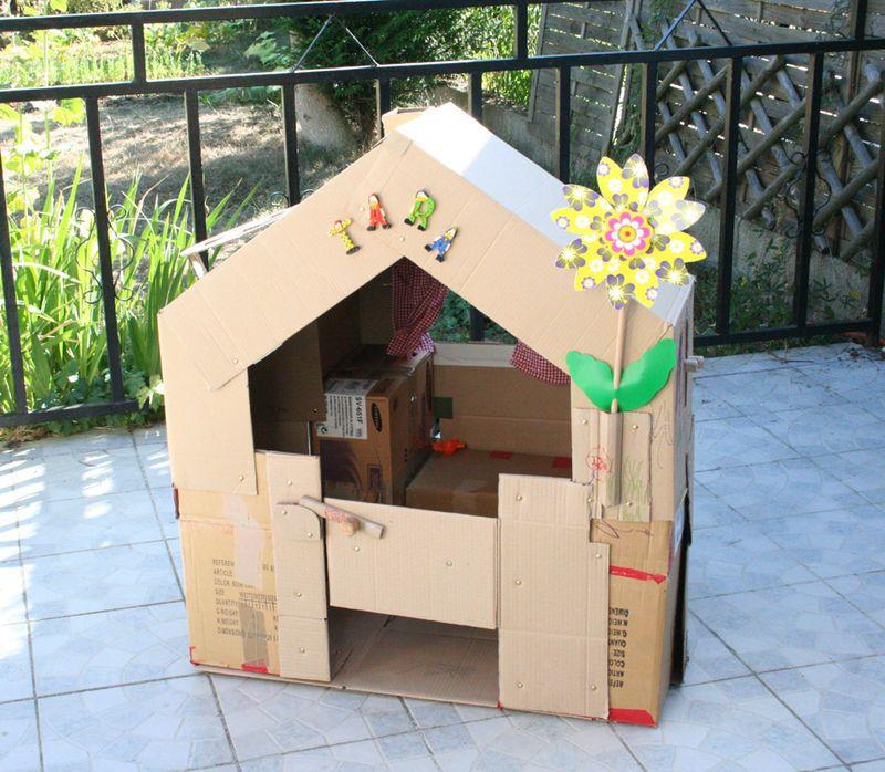 cabane en carton lison cabane en carton cardboard house cabane en carton cabane et carton. Black Bedroom Furniture Sets. Home Design Ideas