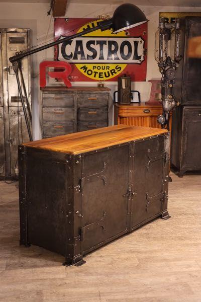 meuble industriel ancien 1900 atelier rivete Country / Industrial