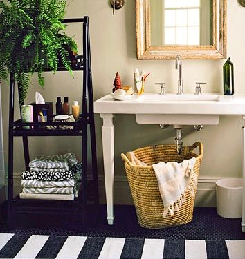 Black White Bathroom Striped Rug Domino V - Black and white striped rug for bathroom decorating ideas