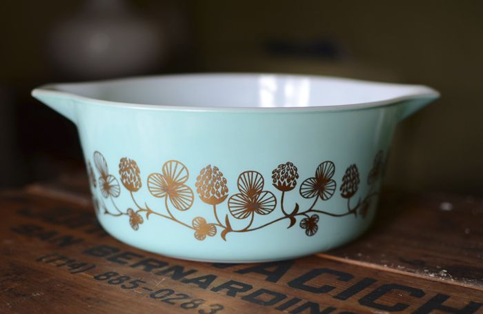 Pyrex Clover Berry, you are on my list!!!