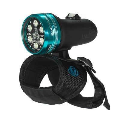 Sola Dive 2000 lumen. Also in 1200 and 800 lumen versions