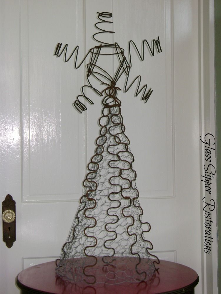 """Christmas Tree made from junk via""""Oh Christmas Tree""""..it\'s a Rusty ..."""