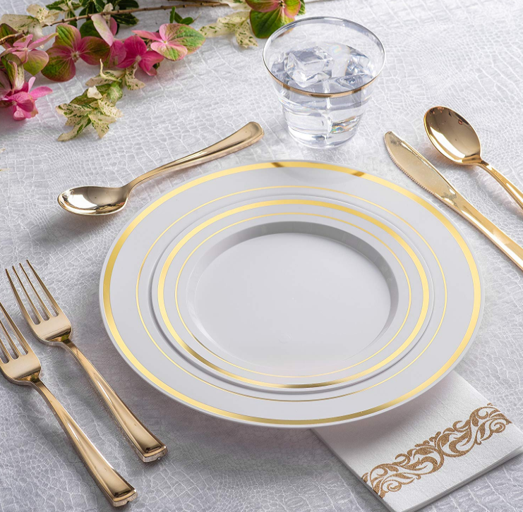 125 Piece Gold Plastic Place Setting Set Service For 25 With Gold Silverware Disposa Elegant Plastic Dinnerware Plastic Plates Wedding Elegant Plastic Plates
