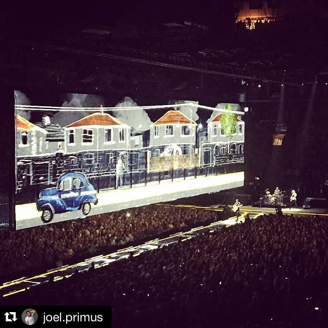 #Repost @joel.primus ・・・ @U2 @msg @thegarden (ya @bono is in the screen) #msg #u2 #madisonsquaregarden #newyork #live #dreamcometrue #grateful