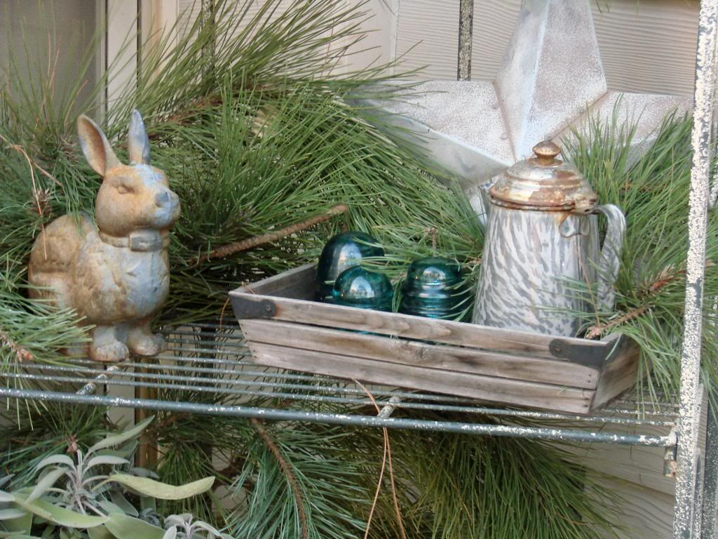 Decorate An Outdoor Bakers Rack In The Winter   Google Search