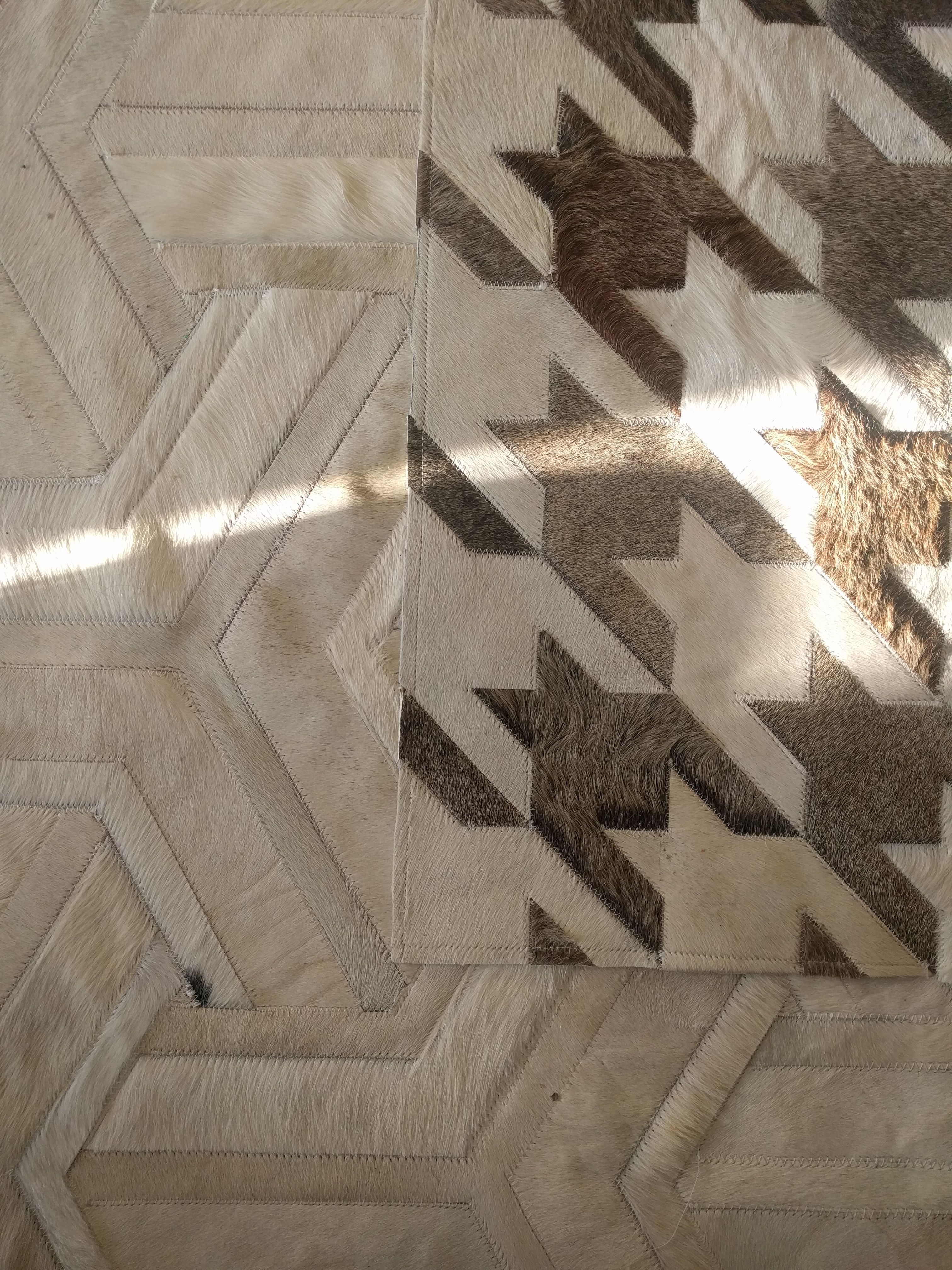 Soft Morning Light Toto And Houndstooth Rugs Living Together In